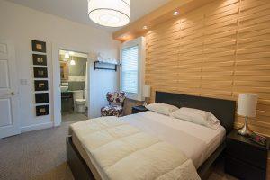 Cincinnati Guest House Bedroom